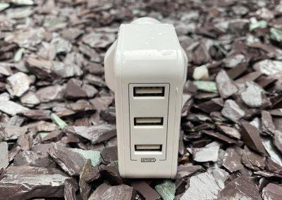 3 USB ports