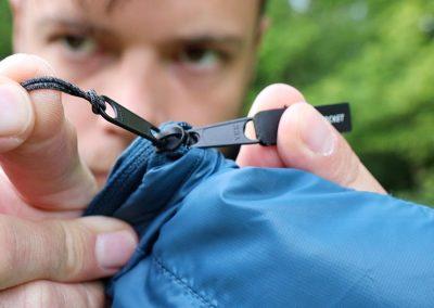 Pack pocket zip
